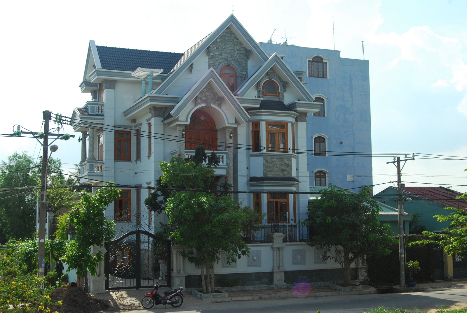 High-class villa in 12 District